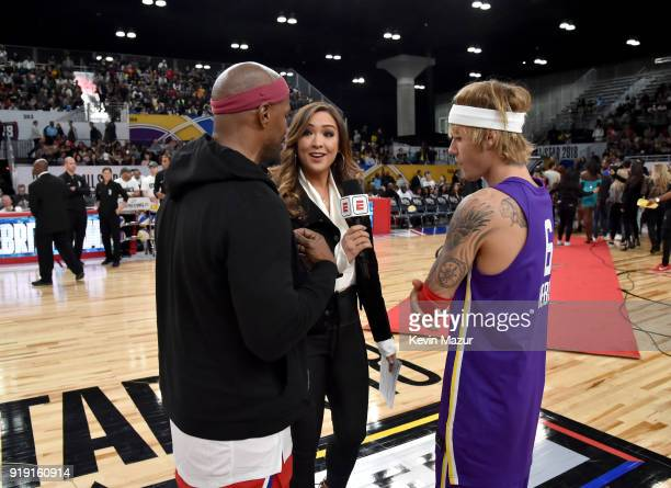 ¿Cuánto mide Justin Bieber? - Altura: 1,73 - Real height - Página 2 Jamie-foxx-and-justin-bieber-speak-during-the-nba-allstar-celebrity-picture-id919160914?s=612x612