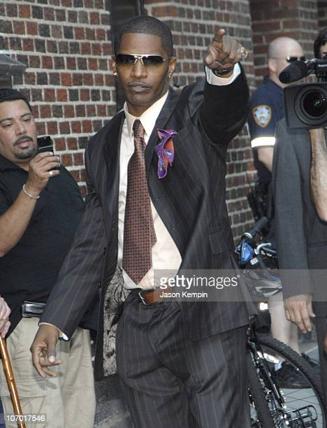 Jamie Foxx during Jamie Foxx Colin Farrell Tom Dreesen and India Aire Arrive at The Late Show With David Letterman July 24 2006 at The Ed Sullivan...