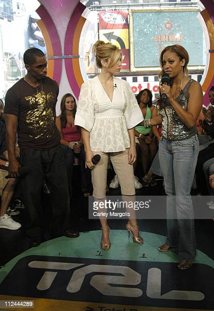 Jamie Foxx Jessica Biel and La La Vasquez during Jamie Foxx and Jessica Biel Visit MTV's 'TRL' July 26 2005 at MTV Studios in New York City New York...
