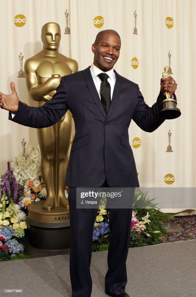Jamie Foxx, winner Best Actor in a Leading Role for 'Ray'