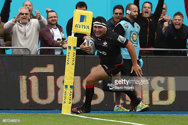 Jamie George of Saracens breaks clear to score the first try during the Aviva Premiership match between Saracens and Northampton Saints at Allianz...