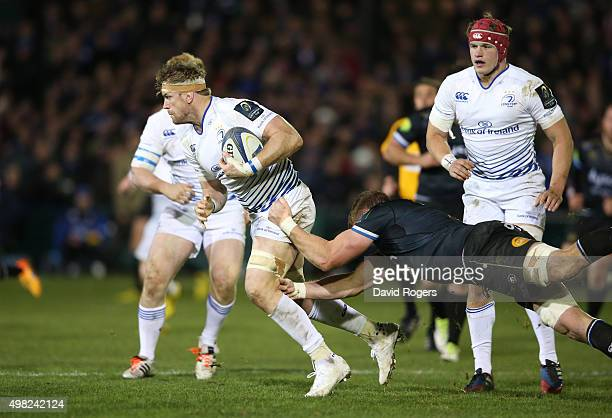 Jamie Heaslip of Leinster breaks with the ball during the European Rugby Champions Cup match between Bath and Leinster at the Recreation Ground on...
