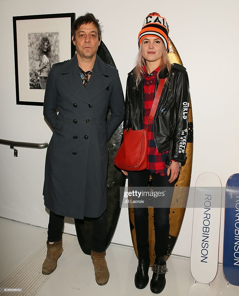 Jamie Hince and Alison Mosshart of The Kills attend the exhibits 'Artists With Animals' held at Ron Robinson's store on November 29, 2016 in Santa Monica, California.