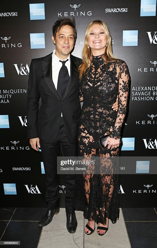 Jamie Hince (L) and Kate Moss arrive at the Alexander McQueen: Savage Beauty Fashion Gala at the V&A, presented by American Express and Kering on March 12, 2015 in London, England.