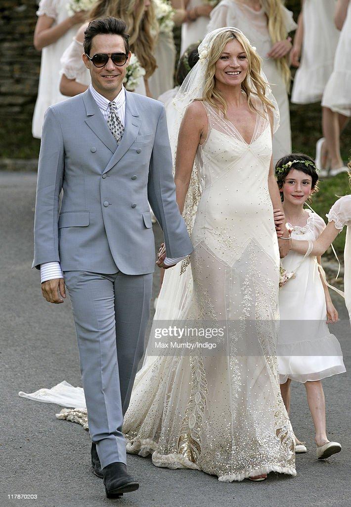 Kate Moss and Jamie Hince - Wedding : News Photo