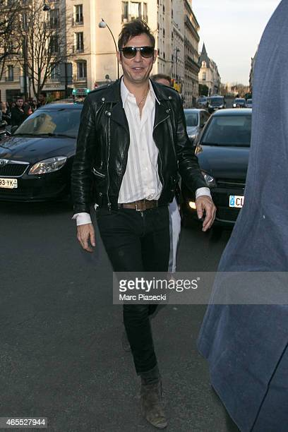 Jamie Hince arrives at the 'Yves Saint Laurent' store on Avenue Montaigne on March 7 2015 in Paris France