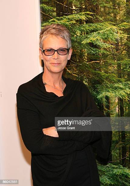 SANTA MONICA CA APRIL 04 Jamie Lee Curtis attends Alexandra Hedison's 'ITHAKA' opening at Month Of Photography LA at Frank Pictures Gallery on April...