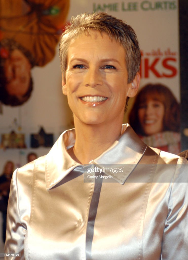 Jamie Lee Curtis during 'Christmas with the Kranks' New York Premiere at Radio City Music Hall in New York City, New York, United States.