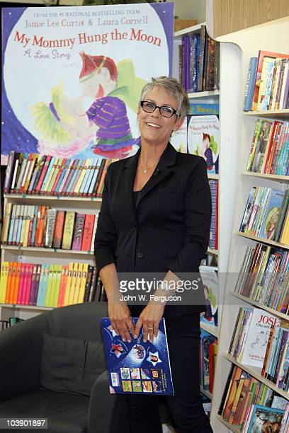 """Jamie Lee Curtis promotes """"My Mommy Hung The Moon"""" at Bookends on September 7, 2010 in Ridgewood, New Jersey."""