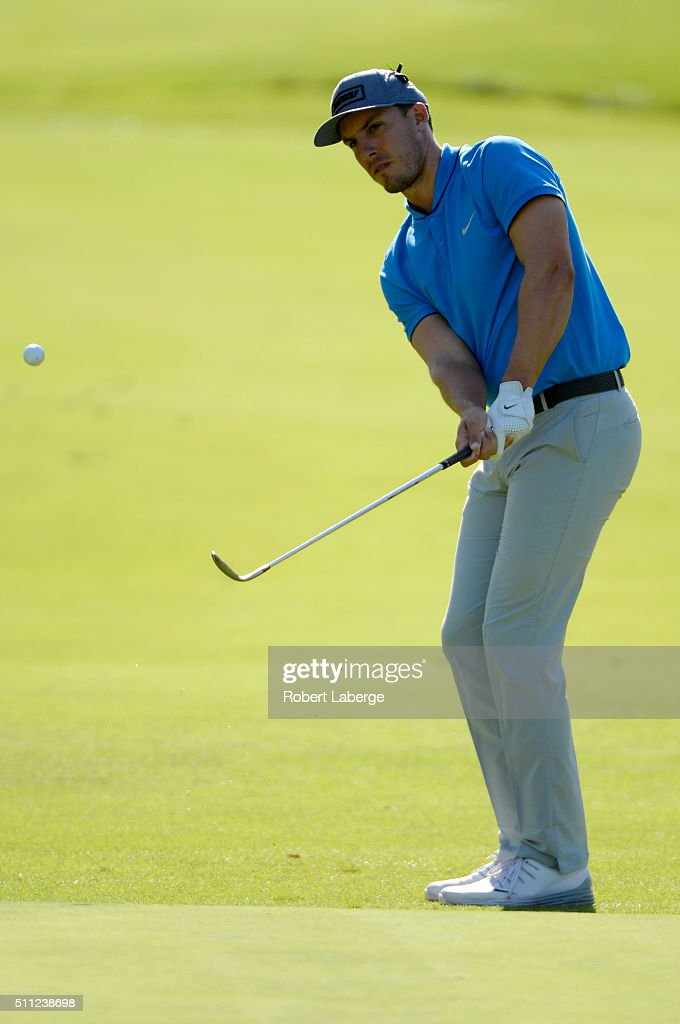 Jamie Lovemark chips on the 11th hole during round one of the Northern Trust Open at Riviera Country Club on February 18, 2016 in Pacific Palisades, California.
