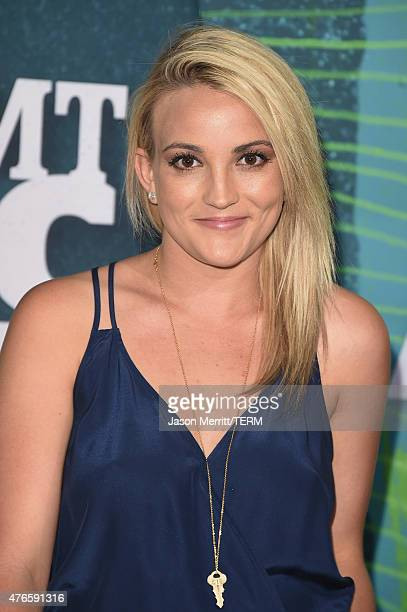 Jamie Lynn Spears attends the 2015 CMT Music awards at the Bridgestone Arena on June 10 2015 in Nashville Tennessee