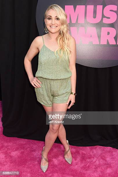 Jamie Lynn Spears attends the 2016 CMT Music awards at the Bridgestone Arena on June 8 2016 in Nashville Tennessee