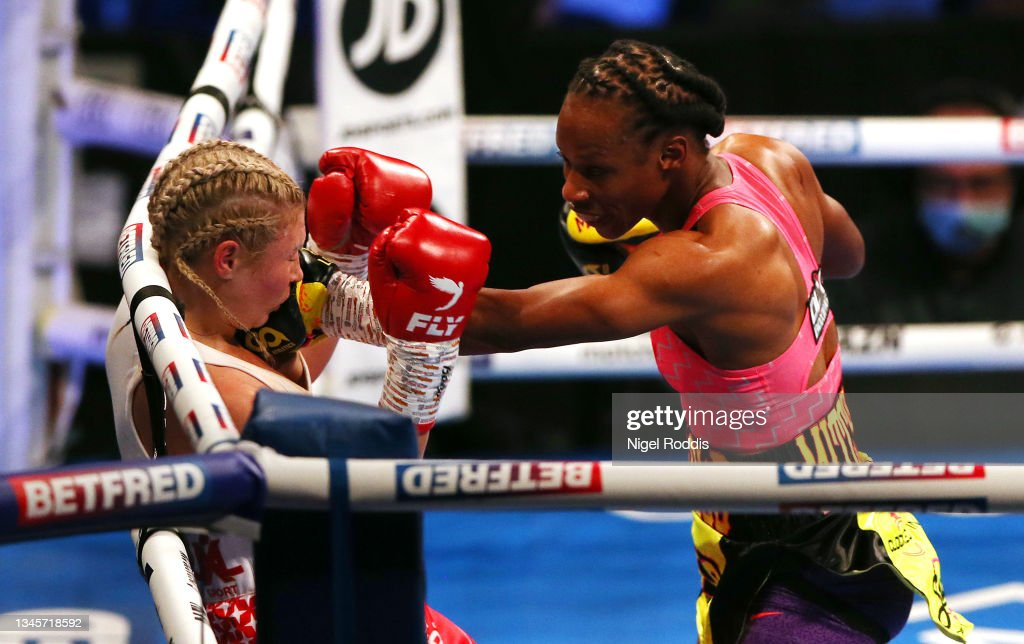 Boxing in Liverpool : News Photo