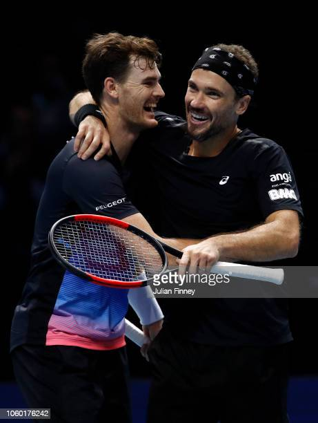 Jamie Murray of Great Britain and Bruno Soares of South Africa celebrate during their match against Michael Venus of New Zealand and Raven Klaasen of...
