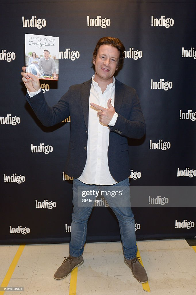 Jamie Oliver visits Indigo at Yorkdale Shopping Centre on October 5, 2016 in Toronto, Canada.