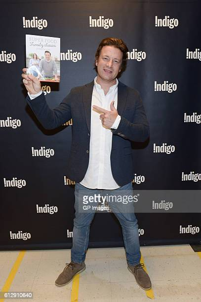 Jamie Oliver visits Indigo at Yorkdale Shopping Centre on October 5 2016 in Toronto Canada