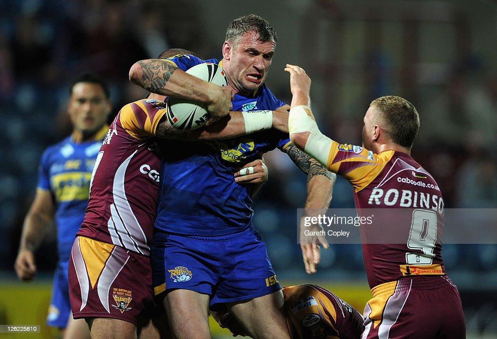 Huddersfield Giants v Leeds Rhinos - Engage Super League Play Offs
