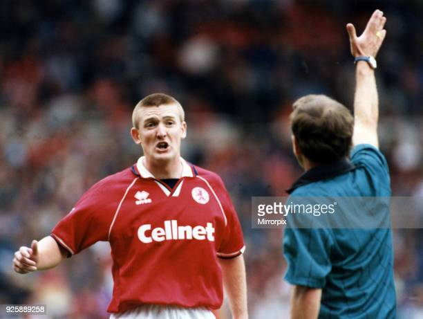 Jamie Pollock disagrees with the ref, Middlesbrough FC v Chelsea, 26th August 1995.