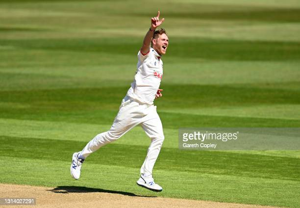 Jamie Porter of Essex celebrates dismissing Hanuma Vihari of Warwickshire during the LV= Insurance County Championship match between Warwickshire and...