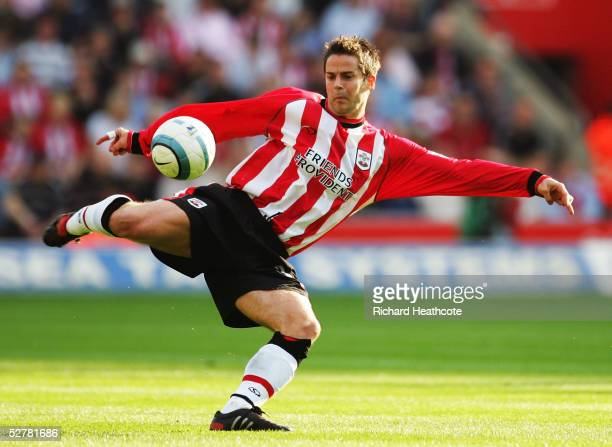 Jamie Redknapp of Southampton in action during the FA Barclays Premiership match between Southampton and Chelsea held at St Marys Stadium on April 2...
