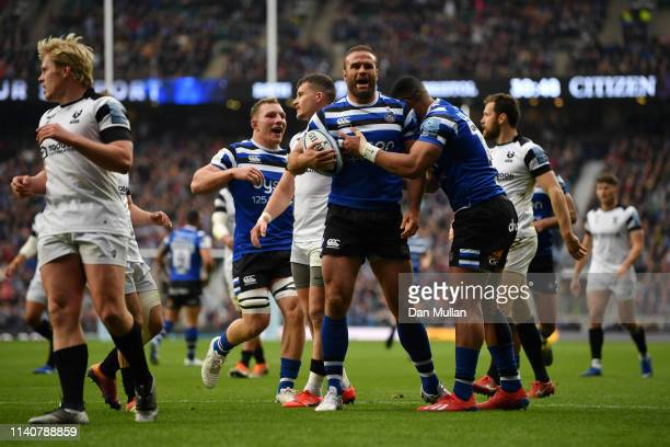 Jamie Roberts of Bath Rugby celebrates after scoring his sides second try during the Gallagher Premiership Rugby match between Bath Rugby and Bristol...