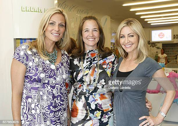 Jamie Tisch Elizabeth Wiatt and Laurie Feltheimer attend the Children's Action Network party at Fashionology on September 16 2009 in Los Angeles...