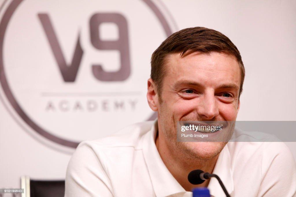 Jamie Vardy and V9 Academy Graduate Alex Penny Meet Ahead of Their FA Cup Clash : News Photo