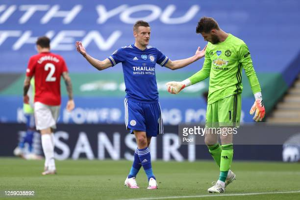 Jamie Vardy of Leicester City argues with David De Gea of Manchester United during the Premier League match between Leicester City and Manchester...