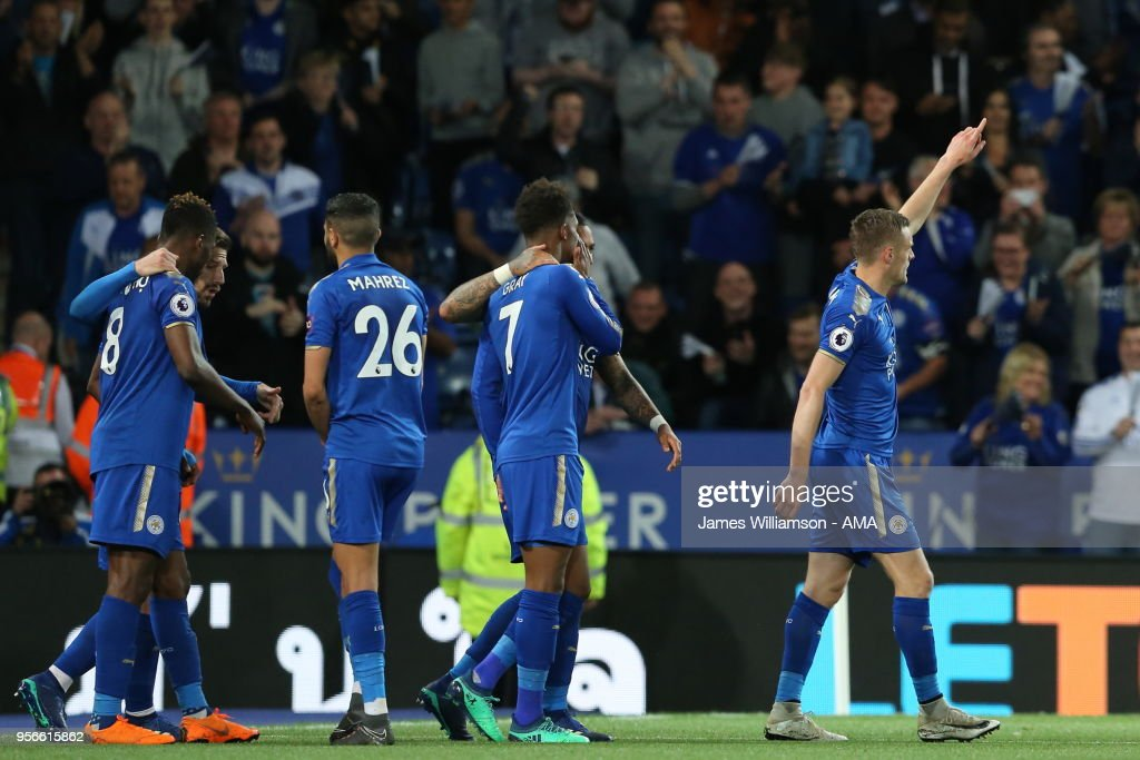 Jamie Vardy of Leicester City celebrates after scoring a goal to make it 2-1 during the Premier League match between Leicester City and Arsenal at The King Power Stadium on May 9, 2018 in Leicester, England.