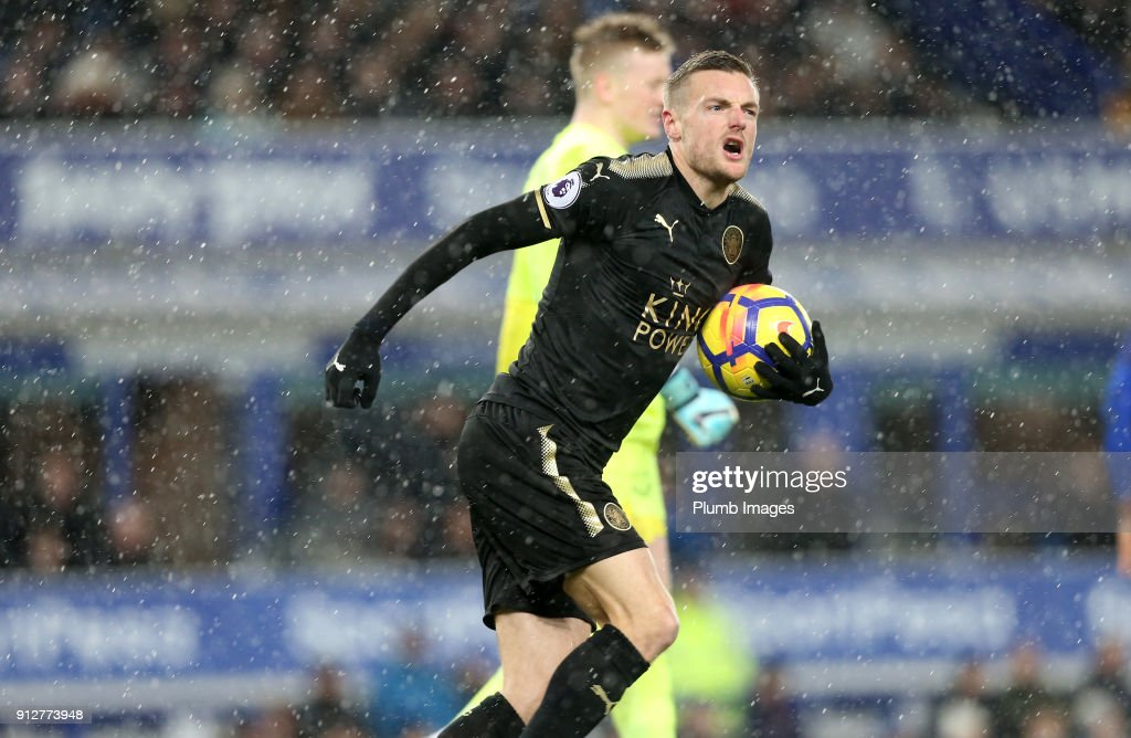 Jamie Vardy of Leicester City celebrates after scoring from the penalty spot to make it 2-1 during the Premier League match between Everton and Leicester City at Goodison Park, on January 31st, 2018 in Liverpool, United Kingdom