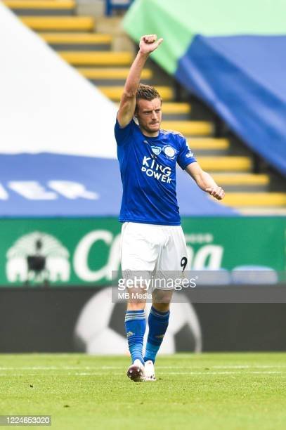 Jamie Vardy of Leicester City celebrates after scoring his sides his first goal and his sides second during the Premier League match between...