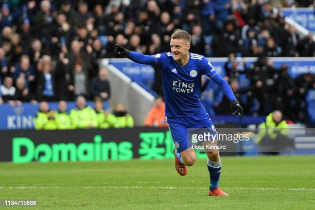 Jamie Vardy of Leicester City celebrates after scoring his team's second goal during the Premier League match between Leicester City and Fulham FC at...