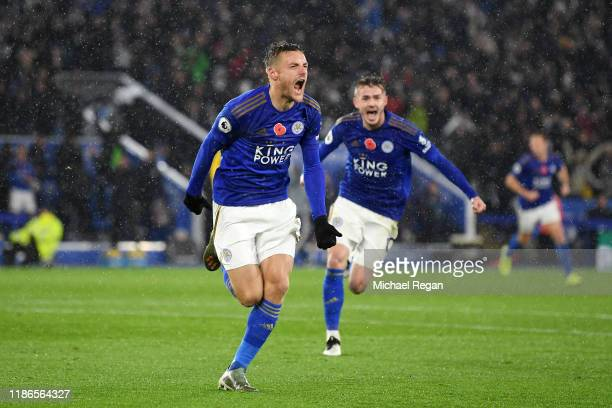 Jamie Vardy of Leicester City celebrates after scoring his team's first goal during the Premier League match between Leicester City and Arsenal FC at...