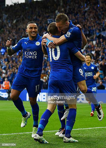 Jamie Vardy of Leicester City celebrates scoring his team's first goal with his team mates Andy King and Danny Simpson during the Barclays Premier...