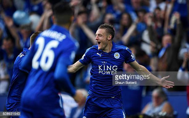 Jamie Vardy of Leicester City celebrates scoring his team's first goal during the Barclays Premier League match between Leicester City and Everton at...