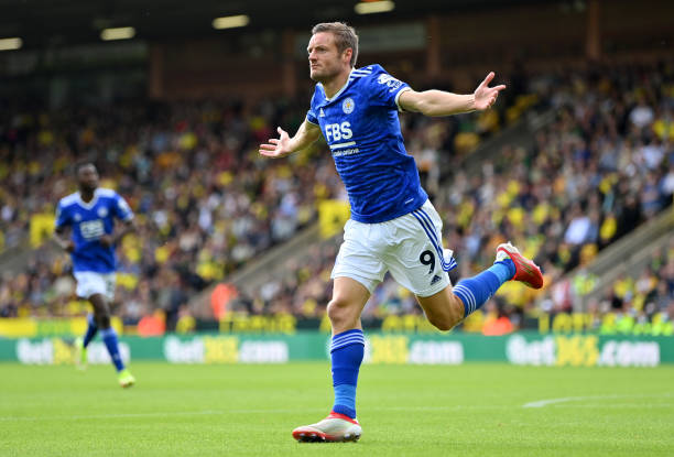 Jamie Vardy of Leicester City celebrates scoring the first Leicester goal during the Premier League match between Norwich City and Leicester City at...