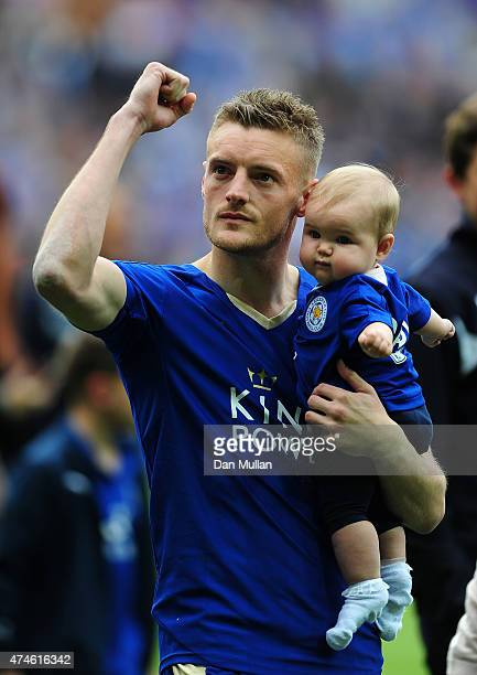 Jamie Vardy of Leicester City celebrates towards the fans following the Premier League match between Leicester City and Queens Park Rangers at The...