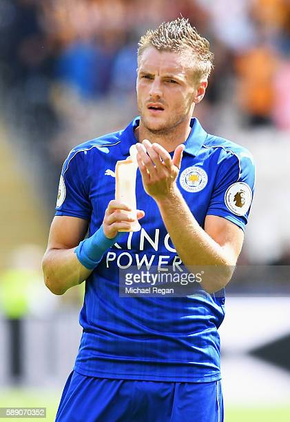 Jamie Vardy of Leicester City claps the Leicester City fans after the final whistle during the Premier League match between Hull City and Leicester...