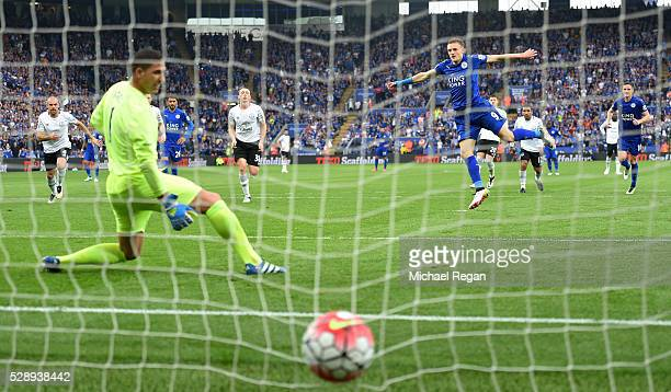 Jamie Vardy of Leicester City converts the penalty to score his team's third goal past Joel Robles of Everton during the Barclays Premier League...