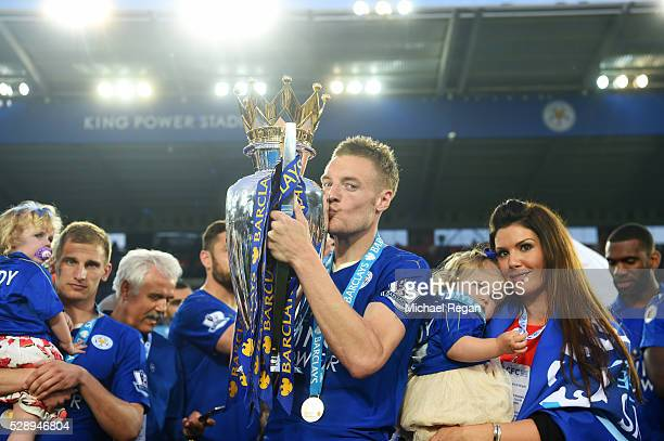 Jamie Vardy of Leicester City kisses the Premier League Trophy after the Barclays Premier League match between Leicester City and Everton at The King...