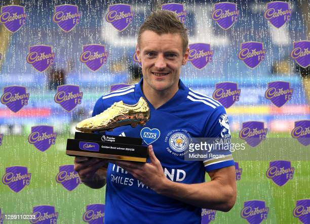 Jamie Vardy of Leicester City poses with the Golden Boot award after the Premier League match between Leicester City and Manchester United at The...
