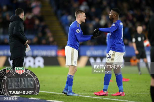 Jamie Vardy of Leicester City replaces Kelechi Iheanacho of Leicester City during the Premier League match between Leicester City and Aston Villa at...