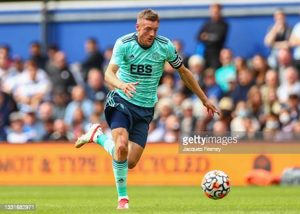 Jamie Vardy of Leicester City runs with the ball during the Pre-Season Friendly match between Queens Park Rangers and Leicester City at The Kiyan...
