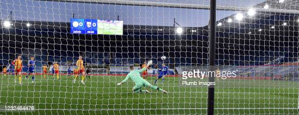 Jamie Vardy of Leicester City scorers to make it 1-0 during the Premier League match between Leicester City and West Bromwich Albion at The King...