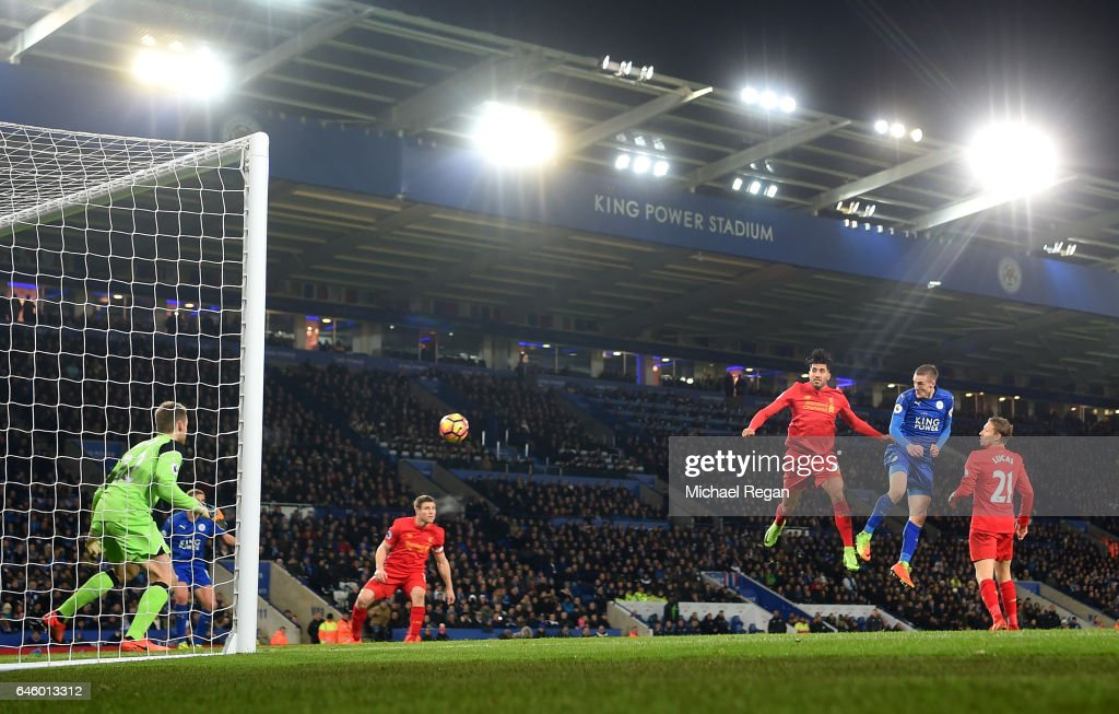 Jamie Vardy of Leicester City scores his second and his sides third goal during the Premier League match between Leicester City and Liverpool at The King Power Stadium on February 27, 2017 in Leicester, England.