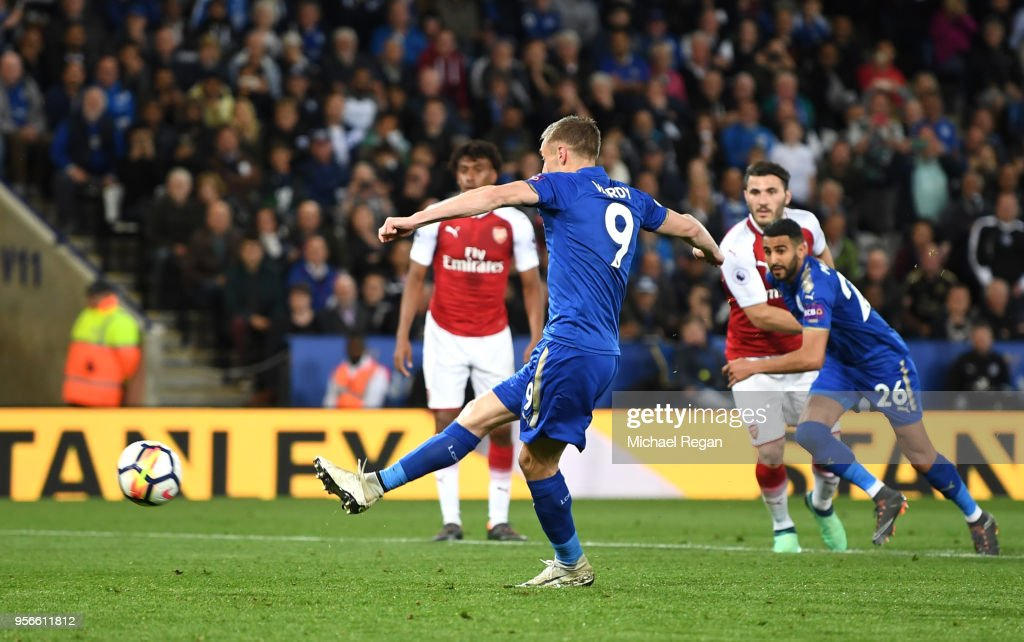 Jamie Vardy of Leicester City scores his sides second goal from the penalty spot during the Premier League match between Leicester City and Arsenal at The King Power Stadium on May 9, 2018 in Leicester, England.