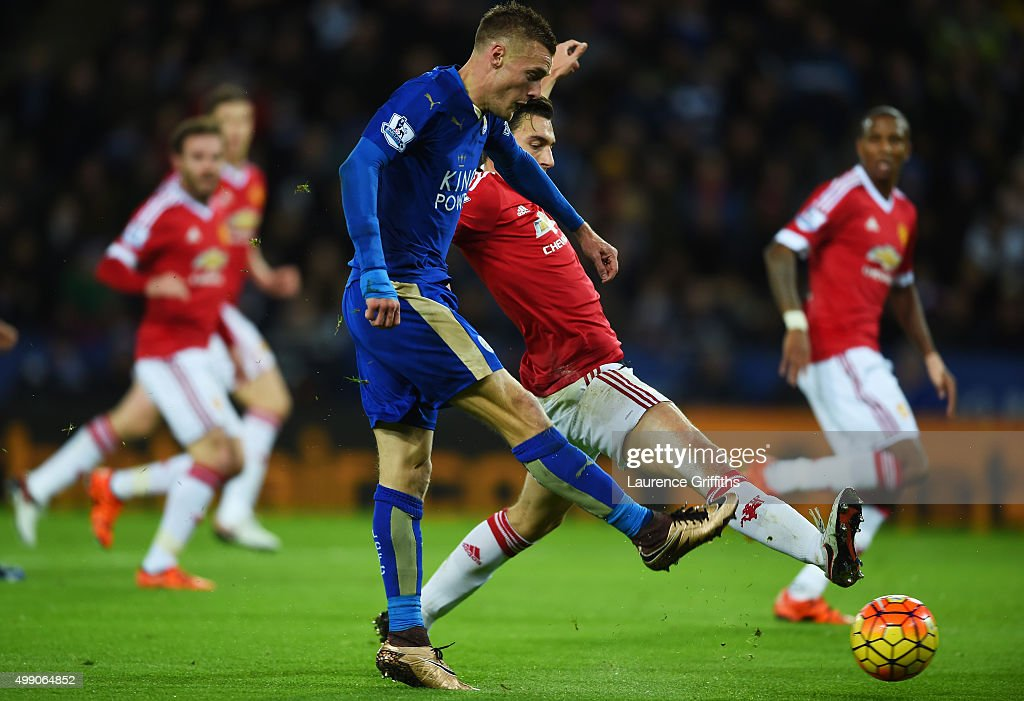 Jamie Vardy of Leicester City scores his team's first goal during the Barclays Premier League match between Leicester City and Manchester United at The King Power Stadium on November 28, 2015 in Leicester, England.