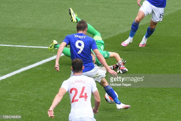 Jamie Vardy of Leicester City scores his team's second goal during the Premier League match between Leicester City and Crystal Palace at The King...