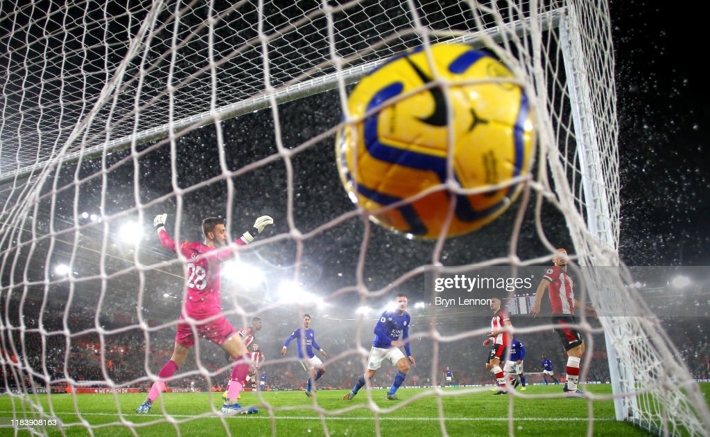 Southampton FC v Leicester City - Premier League : Nieuwsfoto's