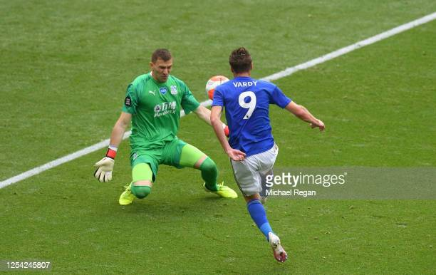 Jamie Vardy of Leicester City scores his team's third goal during the Premier League match between Leicester City and Crystal Palace at The King...